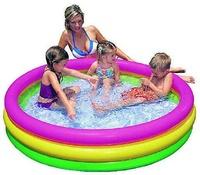 Piscina hinchable para niños y bebes con 3 tubos de colores con medidas 147x33cm