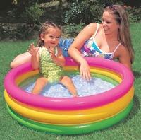 Piscina hinchable para niños y bebes con 3 tubos de colores con medidas 86x25cm